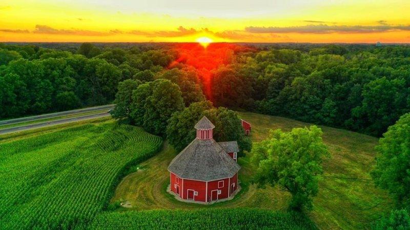 Door Prairie Barn -- LaPorte Indiana